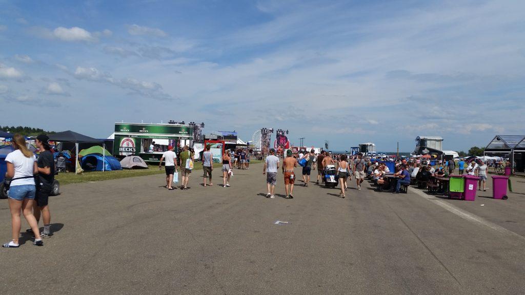 Landebahn und Party Mile Southside Festival
